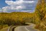Трассу из села Лидога в порт Ванино в Хабаровском крае начали реконструировать совсем недавно. В 2000-х годах на месте старых грунтовых лесовозных дорог появился асфальт. Однако путешественнику по-прежнему нужно быть готовым к встрече с дикой природой — шесть часов пути он, скорее всего, проведет без сотовой связи, а в самых неожиданных местах дорогу могут пересекать медведи. Между населенными пунктами отсутствуют не только деревни, но и АЗС — только бесконечная тайга, сливающаяся на горизонте с Японским морем.