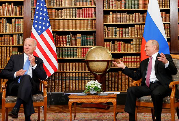 Джо Байден и Владимир Путин в Женеве