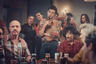 Немало в 2021-м на экраны вышло и сериалов, так или иначе затрагивающих эпидемию СПИДа, развернувшуюся в США и Европе в 1980-е: сериал «Холстон», повествующий о жизни американского модельера-гея Роя Холстона (Юэн Макгрегор), развал империи которого совпал с заражением знаменитости ВИЧ, шоу «Поза», об эпидемии рассказывающее через истории самых маргинализированных граждан Штатов, чернокожих геев и транссексуалов. Но наиболее содержательной и драматичной история об этом времени получилась в британском сериале «Это грех» от Расселла Т. Дэвиса, создателя крайне жизнеутверждающих (особенно на контрасте с «Грехом») ЛГБТ-шоу «Огурец» и «Банан».   В центре сюжета — окончившие школу юные геи, которые только начинают открывать для себя взрослую жизнь со всеми ее соблазнами. «Это грех» начинается, словно гимн гедонизму, со сцен бесконечного радужного праздника, но резко превращается в почти хоррор-драму, через которую Рассел объявляет — в смертях десятков тысяч геев и разразившейся эпидемии виновато прежде всего гомофобное общество, маргинализировавшее ЛГБТ-сообщество и предпочитавшее преступно долгое время не обращать внимания на смертельную болезнь.   Актуальность сериала трудно переоценить — человечество хоть и научилось бороться со СПИДом, распространение вируса иммунодефицита все еще остается одной из крайне серьезных проблем во многих странах, включая Россию (в которой люди с ВИЧ-положительным статусом регулярно сталкиваются с ущемлениями). А то, как в «Это грех» изображена реакция героев на распространение неизвестной заразы (кто-то впитывает любые слухи о ней, доводя себя до параноидального психоза, кто-то наотрез отказывается верить в ее существование), пугающе похоже на реакцию человечества на пандемию нынешнюю — при том, что ситуация информированием населения в этот раз оказалась куда лучше. А значит, какие-то уроки мы все еще не усвоили.    Премьера сериала «Это грех» состоялась 22 января на Channel 4