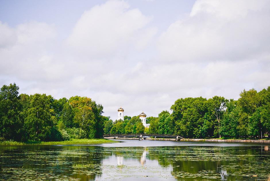 Пейзаж с рекой Цной и собором в Вышнем Волочке, Россия