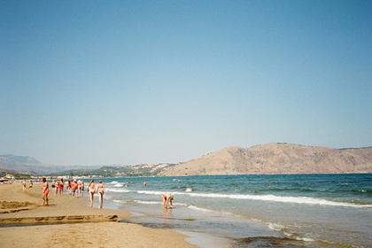 В Греции спасатель второй раз за два года вытащил из воды одну и ту же россиянку: Мир: Путешествия: Lenta.ru