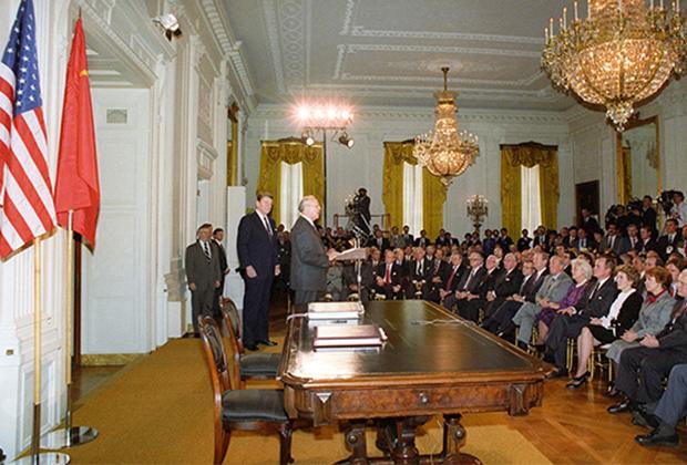 Вашингтон, США. Выступление Михаила Горбачева в Белом доме перед подписанием Договора о ликвидации ракет средней и меньшей дальности (ДРСМД)