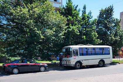 Мужчина с ножом напал на пассажиров автобуса на юге России