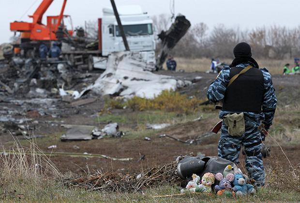 Обломки самолета Boeing 777 возле села Грабово