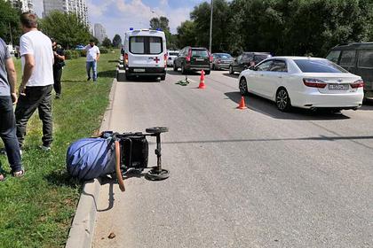 Один из трех сбитых машиной на западе Москвы детей умер: Происшествия: Россия: Lenta.ru