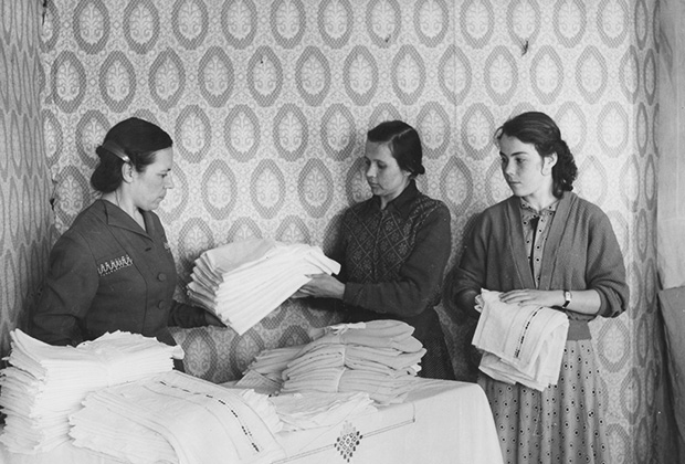 Работницы предприятия в середине ХХ века