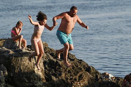 Названы самые опасные места для купания в Крыму: Мнения: Путешествия: Lenta.ru