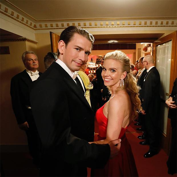 Себастьян Курц и Сюзанна Тир на балу в Венской опере