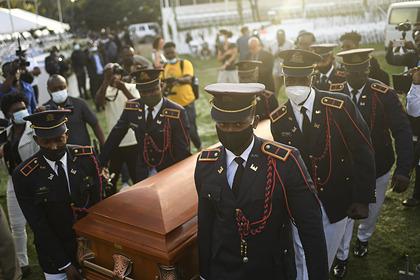 На похоронах президента Гаити началась стрельба