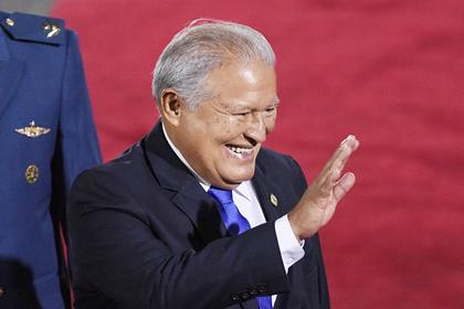 Бывшего президента Сальвадора решили арестовать за коррупцию