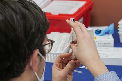 Раскрыт снижающий эффект вакцинации от COVID-19 фактор