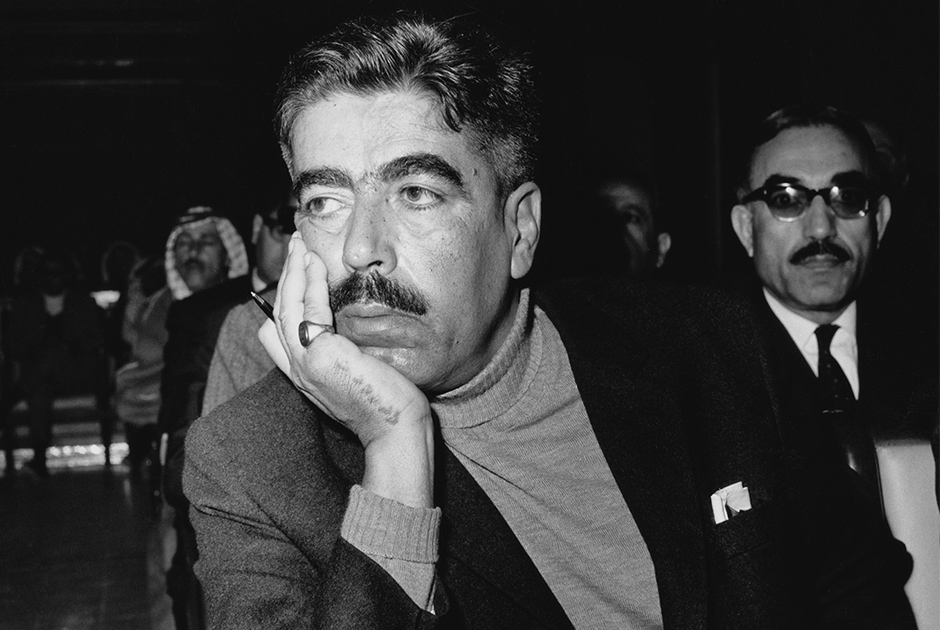 Еще одно громкое убийство произошло 28 ноября 1971 года: четверо боевиков палестинской террористической группировки «Черный сентябрь» напали на премьер-министра Иордании Васфи аль-Таля в холле отеля «Шератон» в Каире. Свидетели утверждали, что один из убийц склонился над телом окровавленного аль-Таля и слизнул его кровь.   Убийство премьера стало ответом на его политику: он преследовал боевиков и якобы лично пытал одного из палестинских командиров. Аль-Таль также играл важную роль в конфликте между иорданскими военными и палестинскими боевиками в «черном» сентябре 1970 года, который завершился высылкой тысяч палестинских боевиков — в том числе тех, кто позже сформирует одноименную организацию.  Египетский суд освободил убийц под залог спустя некоторое время. Боевики «Черного сентября» снова прославятся спустя год после убийства аль-Таля: они устроят теракт на Олимпиаде в Мюнхене. Его жертвами станут 11 участников израильской сборной и один западногерманский полицейский.