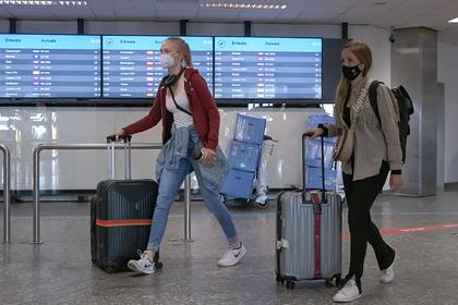 Венгрия разрешила въезд привитым туристам