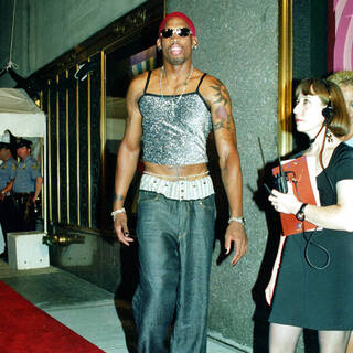 Баскетболист Деннис Родман на MTV Video Music Awards, 1995 год