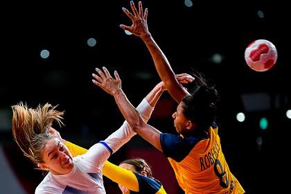 Российские гандболистки потерпели разгромное поражение от Швеции на Олимпиаде