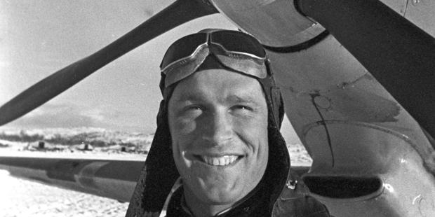 Дважды Герой Советского Союза летчик Борис Сафонов погиб в бою 30 мая 1942 года