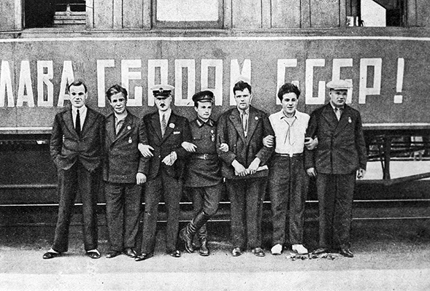 Семеро первых Героев Советского Союза