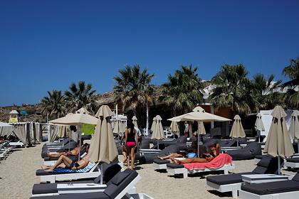На курортах популярной пляжной страны отметили высший уровень опасности COVID-19