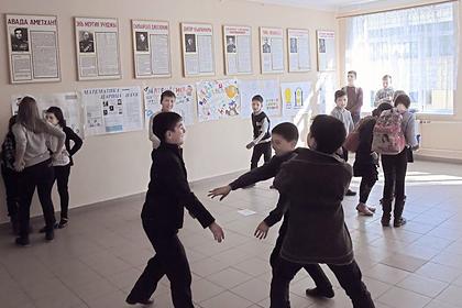 В России начались выплаты на школьников