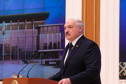 Лукашенко пообещал «сесть и пройтись» по каждой статье Конституции