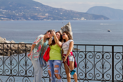Россияне рассказали о любимых местах путешествий с друзьями внутри страны