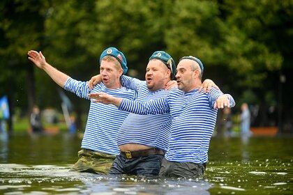 В Петербурге пригрозили отключить фонтаны в День ВДВ