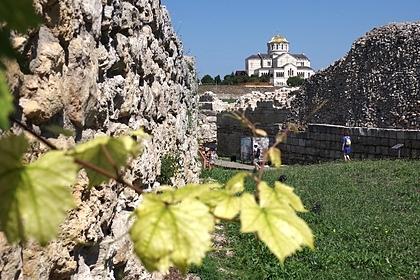 В Крыму нашли склеп с останками десятков христиан