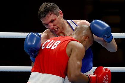 Российский боксер выиграл бронзу на Играх в Токио