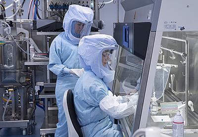 Производители вакцин от коронавируса подняли цены