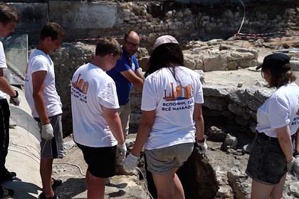 В Севастополе нашли средневековый склеп с останками христиан