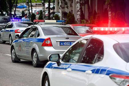 Российский полицейский на служебном автомобиле сбил подростка на переходе