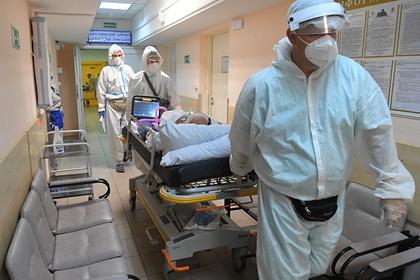 В Москве вновь выросла суточная заболеваемость COVID-19