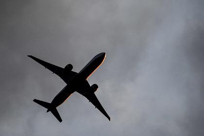 Российский самолет совершил вынужденную посадку из-за отказа гидросистемы
