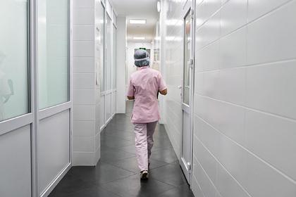 В Москве школьница попала в больницу после укола из шприца от незнакомца с улицы