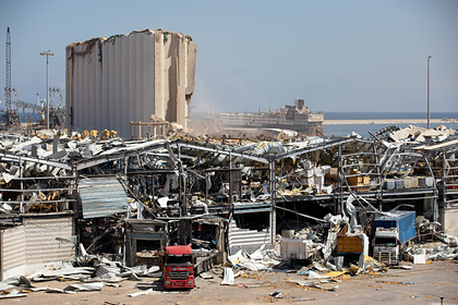 Ливанских чиновников обвинили во взрыве химических веществ в порте Бейрута