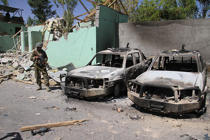 Талибы пригрозили продолжить атаки на афганских чиновников