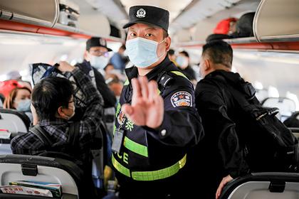 Китай временно перестанет выдавать загранпаспорта своим гражданам