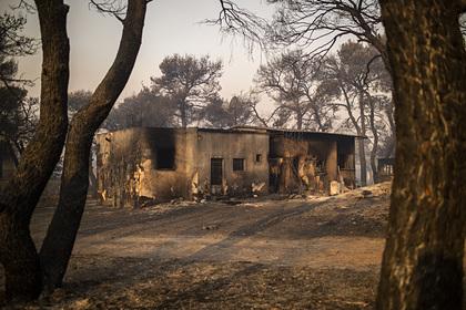 Пожары в Греции уничтожили около 100 домов