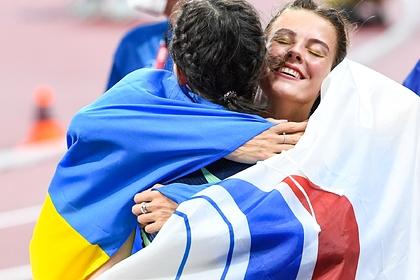 Российская легкоатлетка Мария Ласицкене и ее украинская соперница Ярослава Магучих