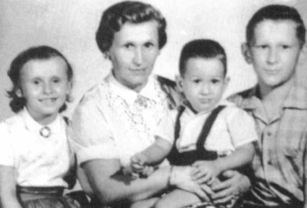 Анна Филоненко с детьми