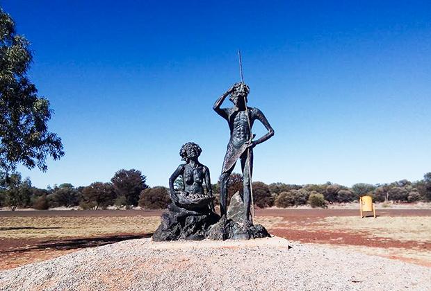 Памятник «Последние кочевники»