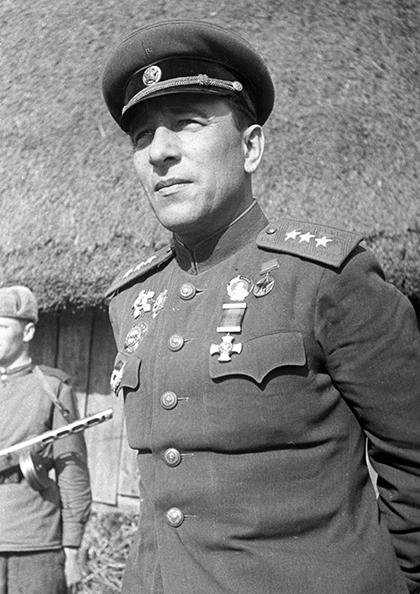 Дважды Герой Советского Союза Михаил Катуков