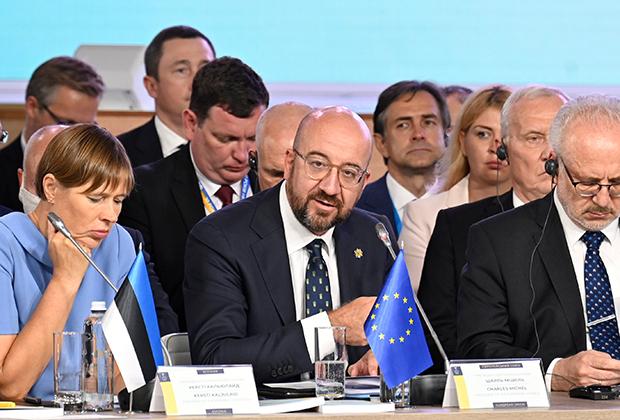 Президент Эстонии Керсти Кальюлайд, председатель Европейского совета Шарль Мишель и президент Латвии Эгилс Левитс