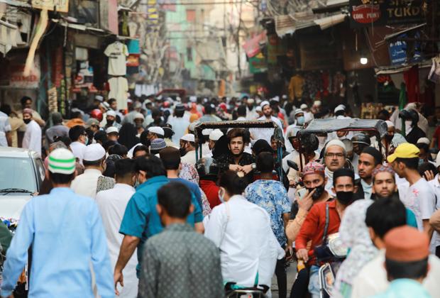 Оживленная улица в Нью-Дели