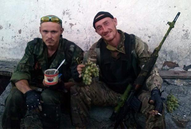 Александр Литвинов (справа)