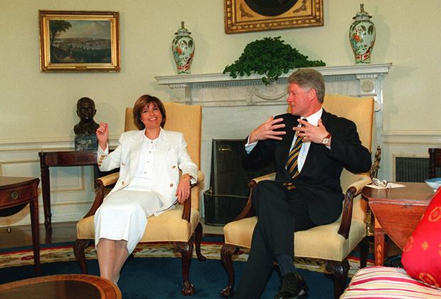 Бывший премьер-министр Турции Тансу Чиллер на встрече с Биллом Клинтоном, 1995 год