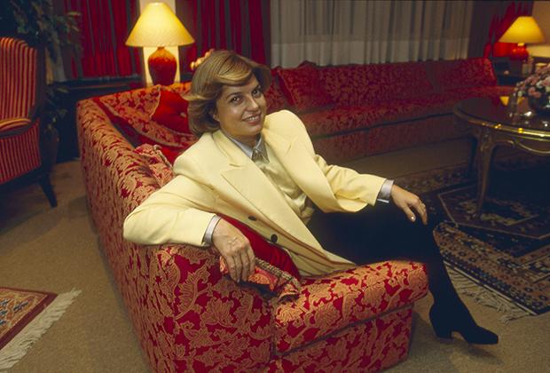Тансу Чиллер в своем доме в Стамбуле, 1993 год