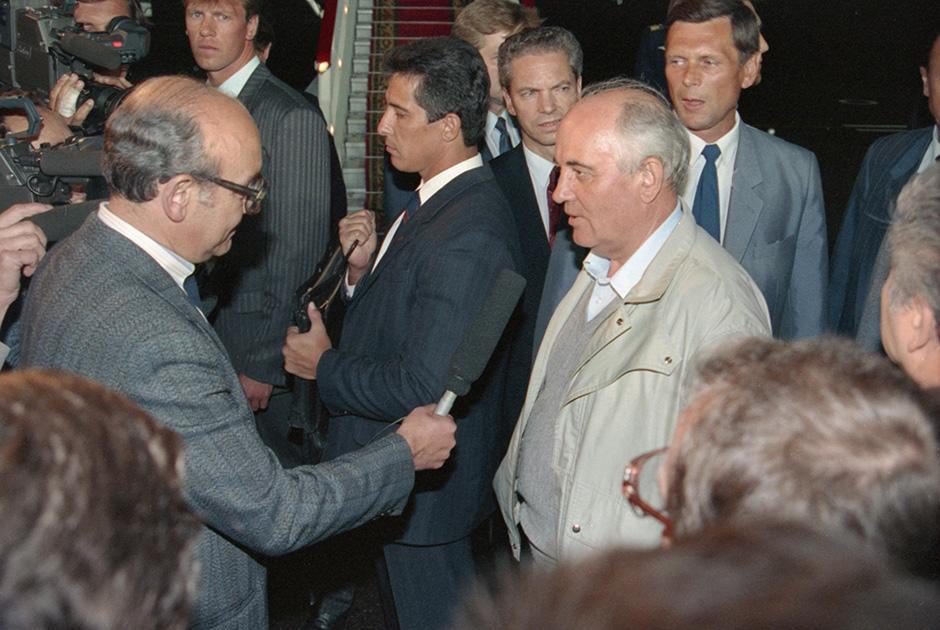 Горбачев после возвращения в Москву