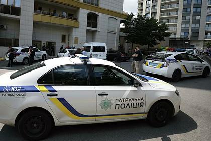Около 30 полицейских пострадали в потасовке во время ЛГБТ-марша: Украина: Бывший СССР: Lenta.ru