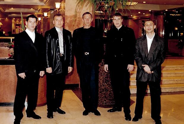 Олег Георгица — в центре. Справа — Михаил Пуртов и Сергей Чащин